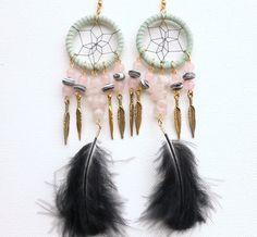 Boucles d'oreille Dreamcatcher vert pâle perles de par jewelryBYplk, $26.00