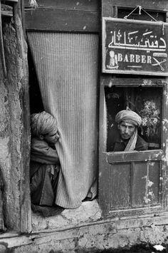 by Marc Riboud, Afghanistan, 1955 Marc Riboud, Henri Cartier Bresson, White Photography, Street Photography, Pakistan, North Vietnam, Alexander The Great, French Photographers, Afghanistan