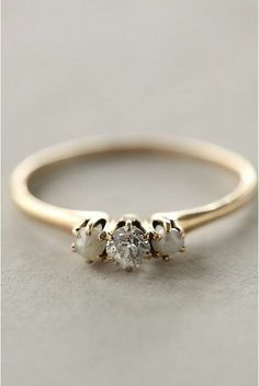 Adorable ring! I want it :)