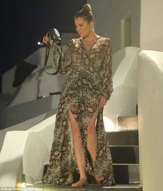 I love this dress that Khloe Kardashian wore in Greece with her family