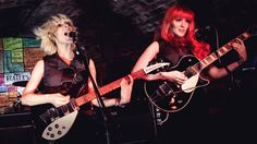 UK band MonaLisa Twins talk background, style songwriting, and new album 'ORANGE' - Guitar Girl Magazine Lisa Wagner, Guitar Girl, Girls Magazine, Female Guitarist, Women In Music, British Invasion, The Eighth Day, Pop Music, The Beatles