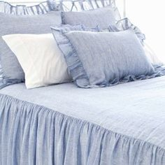 Chambray blue ruffle bedding via @pineconehills @savannah   Double tab for more images.  #fortheloveoflinen  #linen #bedlinen @mich_woods #modernliving #tellmemore #interior4all #linenbedding #bedlinen #organic #purelinen #purelinenutrition #shabbychicbedding #farmhouse #farmhousestyle #farmhousedecor  #cottagestyle #cottageliving #mycottageinstincts #farmhousechic #farmhousebedroom #farmhousebedding #projectvintage #rufflebedding #ruffles #ruffleswithlove #interiordecor #bedroomdecor…