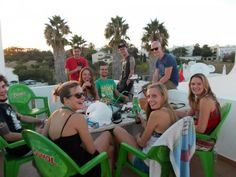 Il Big Chill - Beach Hostel & Suites è un ostello a Lagos, nel sud del Portogallo. Ideale per scoprire le perle dell'Algarve come la vicinissima Praia de Dona Ana.