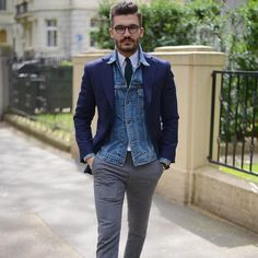 Ever wonder how to style navy blue outfit, or which outfit looks best in navy blue. Here are the top 5 style icons that belong to the shade navy blue. Jean Jacket Outfits, Denim Jacket Men, Denim Shirt, Jeans, Casual Outfits, Men Casual, Fashion Outfits, Mens Fashion Blog, Men's Fashion