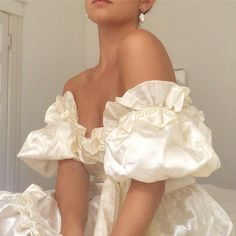 Image discovered by Mademoiselle. Find images and videos about white, dress and outfit on We Heart It - the app to get lost in what you love. Looks Style, Looks Cool, My Style, Mode Outfits, Fashion Outfits, Fashion Ideas, Fashion Clothes, Fashion Tips, Woman Outfits