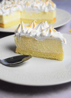 Lemon meringue cloud cake Source by Lemon Desserts, No Bake Desserts, Entremet Recipe, Cloud Cake, Raspberry Cake, Dessert Bars, No Bake Cake, Cooking Time, Vanilla Cake