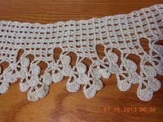 Orilla de tres medias flores Crochet. Link download: http://www.getlinkyoutube.com/watch?v=z58T-cM4OWY