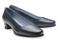 """Do you prefer mid heel cabin crew shoes? KirK was designed for you. Mesmerize your classical character with this amazing SKYPRO aviation footwear! Soft leather shows a subtle elegance with a 3.5 cm/1.4"""" heel. KirK airline shoes also have essential characteristics for flight attendants: anti-skid, anti-static, ambicork, alarm-free, and a life-long amazing effective comfort."""