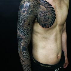 Awesome black and grey sleeve by Horihide David Chu (IG—horihide_david), featuring koi fish and a dragon. Hot Guys Tattoos, Badass Tattoos, Cool Tattoos, Asian Tattoos, Tribal Tattoos, Japanese Tattoos, Arm Tattoo, Sleeve Tattoos, Black And Grey Sleeve