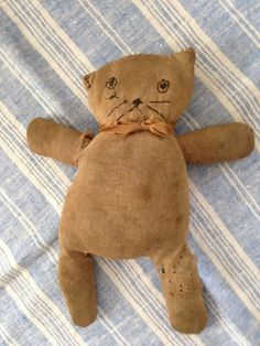 sock cat - Dig Antiques Fabric Animals, Sock Animals, Antique Toys, Vintage Toys, Tilda Toy, Cat Doll, Primitive Crafts, Old Toys, Fabric Dolls