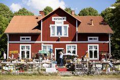 Havdhem, Gotland. Billgrens blogg på ELLE.se! Life Tv, Real Life, Sweden House, Red Houses, Scandinavian Countries, Discovery, Places To Go, Cabin, Inspiration