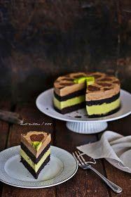 """Sering lihat kue ini berseliweran di FBnya mba Ina Moulina Fajrin Isra  """"Nyak Ina Kitchen"""" . Banyak yang mesan kue ini. Artinya ban..."""