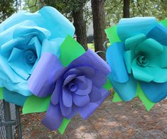 Gigantic Paper Flowers! @ instructables.com   use lightweight astro bright paper