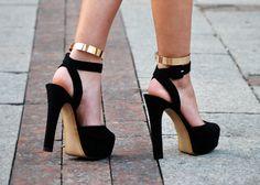 Metallic ankle bracelets