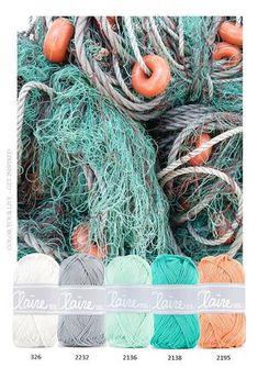 Bekijk de foto van MrsHooked - Kleurinspiratie met als titel Kleurinspiratie - Visnet. Heerlijke kleuren combinatie om bijvoorbeeld een baby dekentje van te haken. Wit - Grijs - Aqua groen - en zacht oranje. en andere inspirerende plaatjes op Welke.nl.
