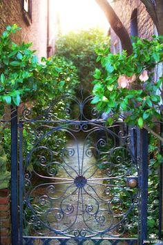 ~~Charleston Gate~~
