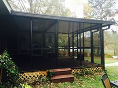 A 15u0027 By 18u0027 Screened In Patio Top. Bright White Top Panels And