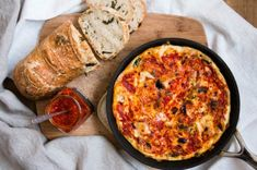 Use your leftover egg whites from baking or cooking to make a spicy Vegetable Egg White Frittata with Harissa that is light, healthy, and delicious. Low Carb Breakfast Easy, Ketogenic Breakfast, Breakfast Menu, Breakfast Recipes, Breakfast Ideas, Ketogenic Diet, Egg White Frittata, Italian Chef, Smoked Pork