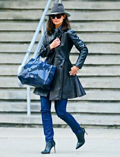 Katie Holmes kept a low, yet stylish, profile under a floppy fedora hat, oversized sunnies and a leather trench coat!