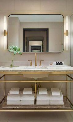 11 Howard hotel bathroom