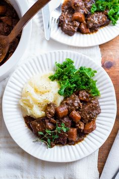 This classic French dish from the region of Burgundy is traditionally made with a full-bodied Burgundy wine. Our easy slow cooker recipe is served with steamed cabbage and creamy mash for a wonderfully satisfying meal. | Tesco