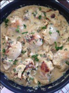 Dit is zo een recept waar je je vingers bij aflikt! Heerlijk met rijst of pasta, een echte aanrader. Dit komt wel vaker bij ons op tafel! Zeker met dit koude weer, kun je hier extra van genieten. &…
