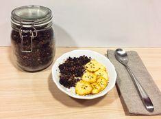 Desayuno saludable- Porridge de avena con platano, granola y chocolate. Delicioso, fácil y sano