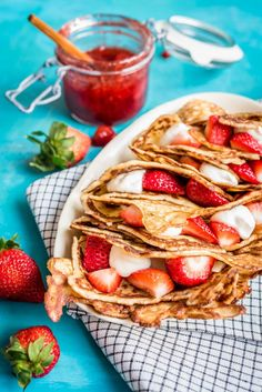Finnish Recipes, Banoffee, Crepes, Wine Recipes, Sweet Tooth, Deserts, Good Food, Food And Drink, Baking