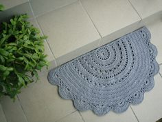 Half Circle doily crochet rug / Doormat / bathroom rug by Stefkowo