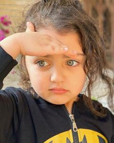 Cute Baby Girl Images, Cute Little Baby Girl, Cute Kids Pics, Baby Girl Pictures, Cute Girls, Niqab Eyes, World's Cutest Girl, Cute Babies Photography, Creative Photography