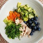 One of my favorite things to do with avocado add it to any salad Its especially pretty in this eattherainbow tuna salad Recipe on ohthatstastycom  throwtogether tuna saladmyeverydaymagic realfood justeatrealfood jerf wholefood healingfoods healthyfood healthylifestyle healthylifestylechanges cleaneating eatclean nutrientdense paleofood paleomeal eatgoodfeelgood  glutenfree whole  easymeals yum avocadolove avocadolover avocadoaddict avocadosalad tunasalad easylunch lunchideas lunchy…