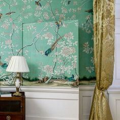 The jib door, the 'Earlham' @degournay wallpaper, the Damask silk curtains... What's not to love? #chinoiserie #degournay #interiors #decoration #handpainted