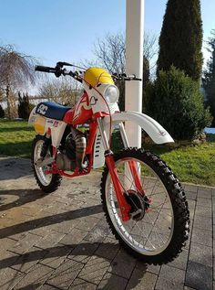 Moto Enduro, Enduro Motorcycle, Motorcycle Design, Enduro Vintage, Vintage Motocross, Vintage Bikes, Classic Italian, Vintage Italian, Dirt Biking