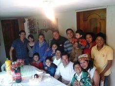 cumpleaños de mi madre festejando todos en familia