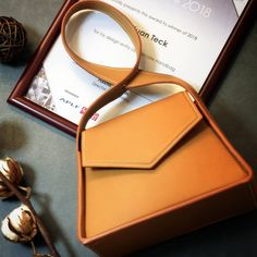 Our 2018 first achievement with our latest design of handbag - Lemniscate.