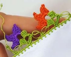 Crochet Lace Making Oblique Colored Leaves - Thread Crochet, Crochet Lace, Lace Making, Diy And Crafts, Crochet Earrings, Cross Stitch, Pattern, How To Make, Colored Leaves