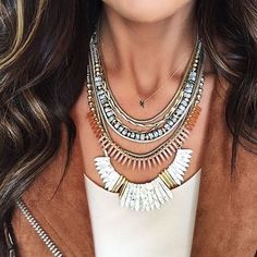 Stella & Dot 2017! Start off your week with a statement! Our #Ezrastatement necklace can be worn 5 different ways and is one of our 7 must-haves for 2017! Want to find out the other 6?