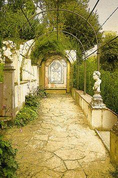 Bardini Garden | Garden terrace - Bardini Gardens, Florence,… | kgphoto47 | Flickr