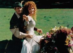 Pin for Later: The Ultimate Movie and TV Weddings Gallery Robin Hood: Men in Tights In this parody of the classic tale, Maid Marian (Amy Yasbeck) and Robin Hood (Cary Elwes) marry so they can head off to more intimate activities.
