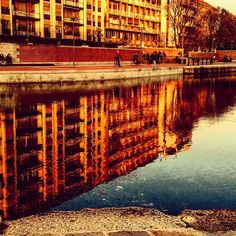 #riflessi#riflessioni #reflection #water#mirror #milan #milano #milanodavedere #vivo_milano #darsena #navigli #tagsforlikes #tweegram #tagsforlike #likeback #like4like #likeforlike #likeforfollow #follow #followme #followback #follow4follow #followforfollow #vsco #vscocam #vscogood #colorful by toporosa