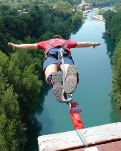 Bungee jumping doesn't only look dangerous.it is, however, most sports are! Are the risks of bungee jumping worth the thrill? Surf, Radical Sports, Snowboard, Bungee Jumping, Before I Die, Koh Tao, Skydiving, Fitbit, Adventure Is Out There
