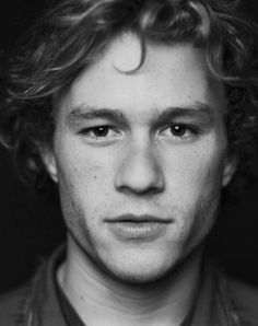 Heath Ledger ~one of the greatest actors to grace the movie scene. Rest your beautiful tortured soul in peace Heath Ledger Daughter, Pretty People, Beautiful People, Beautiful Soul, Raining Men, Famous Faces, Man Crush, Belle Photo, Celebrity Crush