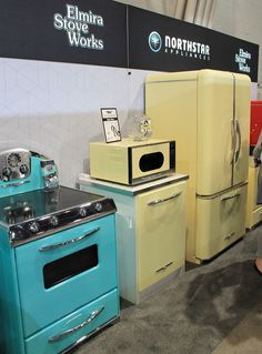 Yet another bright and colorful spot at KBIS 2016 was the Northstar Appliances display from Elmira Stove Works. In fact, even though the booth was tucked away against a back wall of the convention center, it was still a very popular spot. It was difficult for me to get pictures of the products because they were … #Appliances Retro Stil, Vintage Stil, Vintage Decor, Retro Vintage, 1950s Decor, Vintage Ideas, French Vintage, Vintage Appliances, Home Appliances