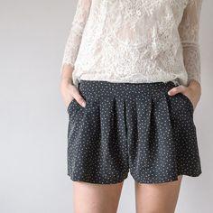 aime comme Manège - La jupe-culotte - Aime comme Marie Pants Outfit, Dress Pants, Diy Shorts, Couture Sewing, Diy Couture, Refashion, Short Dresses, Skirts, Outfits