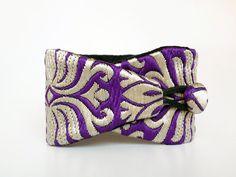 Bracelet obi Niraja - wristband with purple -or green- and white thread - Collection Delhi