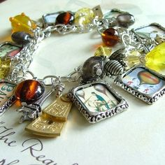 My kind of bracelet - A must have; Steampunk Diy, Steampunk Fashion, Steampunk Cards, Beaded Jewelry, Handmade Jewelry, Unique Jewelry, Balloon Race, Steampunk Accessories, Charm Bracelets