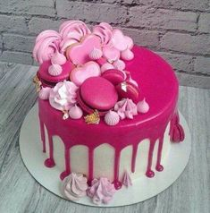 62 Likes, 2 Comments - Ludm .- 62 Likes, 2 Kommentare – Ludm … – Pies / Cake⭐️ – …. 62 Likes, 2 Comments – Ludm … – Pies / Cake⭐️ – … – pies – - Pretty Cakes, Beautiful Cakes, Amazing Cakes, 21st Birthday Cakes, Birthday Cakes For Women, Birthday Ideas For Women, Macaroon Cake, 21st Cake, Bowl Cake