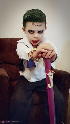 Adrian: This is my 4 year old son, Aiden Salas dressed as his favorite Suicide Squad character, The Joker. It& not just a costume for him, it& a persona he likes. Fete Halloween, Scary Halloween Costumes, Halloween Costume Contest, Baby Halloween, Costume Ideas, Boys Joker Costume, Boy Costumes, Kids Costumes Boys, Cosplay Kids