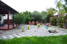 From water-needy lawn to drought-friendly entertaining space. Check out the before & after of this now-lovely California backyard.  Here.