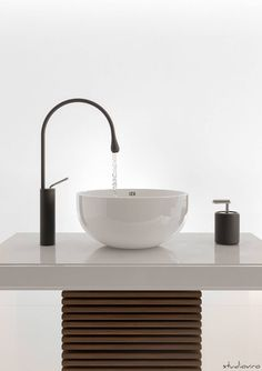 10 tipi di lavandini per il bagno. #bagno #lavandini #rubinetti https://www.homify.it/librodelleidee/159686/10-tipi-di-lavandini-per-il-bagno